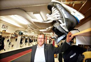 - Det känns oerhört skönt att ha fått ett positivt besked, säger Brynäs klubbdirektör Hans-Göran Karlsson.