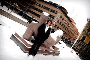 Gävle kommuns informationschef Anna Östman berättar om det nya kommunala kontoret, Destination Gävle,  som tar över all marknadsföring av kommunen.