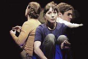 Tre skådespelare gestaltar gävleborgarnas drömmar och syn på livet: Cecilia Wernesten, Anna Pareto coh Victor Ström.