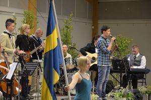Sångarsaga. Oscar, Victor, Linnea, Rasmus, Lukas, Erik, Amanda och Julia.