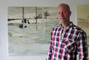 Fredrik Sundqvists landskap är fyllda av fragment, minnen eller drömbilder av människor.