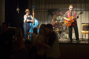 Billy and the kids uppträdde på Folkets hus i Lillhärdal under lördagskvällen.