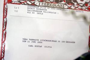Telegrammet som kom undertecknat Carl Gustaf och Silvia till hundraårsdagen har hunnit bli två år gammalt.