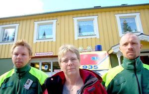 Patrik Sandqvist, Barbro Blom och Joakim Mikaelsson hoppas att det blir en nybyggd hälsocentral i Gäddede. I veckan ska de som arbetar på hälsocentralen lämna in en konsekvensbeskrivning till Strömsunds kommun.