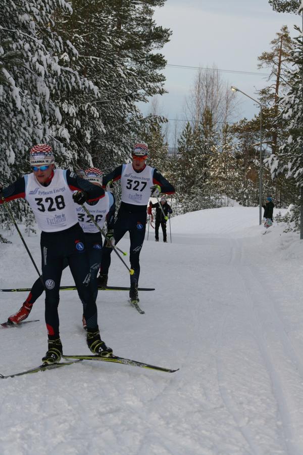 Åsarnaåkarna Victor Hallquist, Edvard Sundman och Emil Svensson gjorde upp om segern i H21.