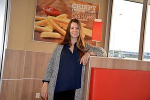 Sandra Persson ser fram emot öppningen av Burger King i Birsta nästa vecka.