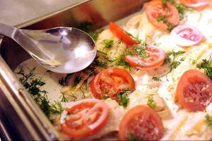 Tre restauranger hade bristande rutiner i livsmedelshanteringen.