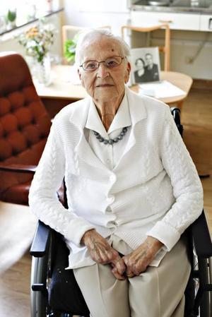 Svea Lindberg fyller 102 år i dag.