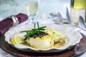 Rimmad torskrygg med smakrikt sällskap i form av ingefära, soja och brynt smör.Foto: Leif R Jansson/TT