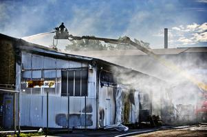 Efter Branden på Cassandra oil gör kommunen, räddningstjänsten och Mälarenergi flera insatser för att ta hand om de stora mängderna släckvatten som spolats.