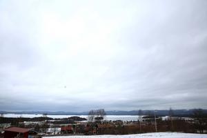 Genom byarna Vångsgärde och Holen ska hastigheten begränsas till 60 kilometer i timmen.