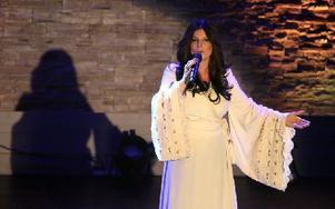 Carola gjorde två julkonserter tillsammans med Lugnet Gospel Choir i Falun på lördagen. Foto: Jonas Stentäpp