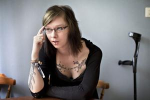 Talar ut om vården. Det gör Jessica Thåström, från Sandviken, i Arga doktorn i SVT. Hon blev förlamad efter att ha ätit p–piller.