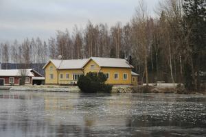 En av flera villor med plats för tio sportfiskare på Kungsholmen utanför Bollnäs.