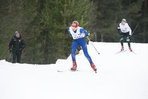 Ida Garfvé trycker på mot mot mål.