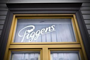 Namnet finns fortfarande inskrivet på den plats där Pigg-Calles kafé en gång hade sin verksamhet, även om det nu är en kinarestaurang.