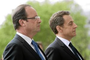 Inte lika demokratiskt som Sverige. Frankrikes förre president Nicolas Sarkozy till höger, och nyvalda president François Hollande, tillhör det franska valsystemet som är betydligt mer komplicerat än det svenska, skriver Helena Höjenberg. Arkivbild: Lionel Bonaventure, AP/Scanpix