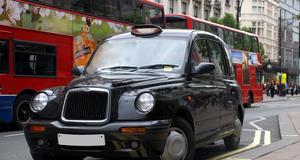 Klassiska taxis i London.
