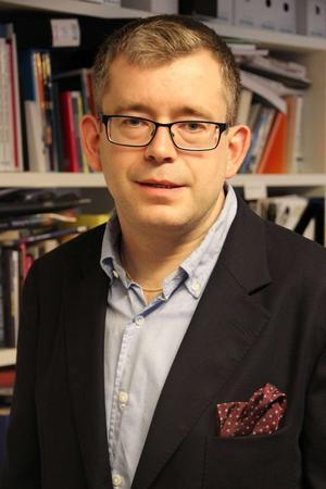 Krönikören Carl Melin är fil. dr i statsvetenskap och tidigare ordförande för SSU i Dalarna. Han är uppväxt i Ludvika.
