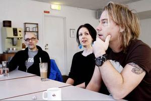 Gitarristen Martin Kjellerstedt, cellisten Katarina Åhlén och trummisen Björn Höglund finns med lite överallt i länets kulturliv och vet vilka behov som finns där. I konstellationen som kämpar för ett konsert- och kulturhus ingår också musikern och författaren Jens Ganman.