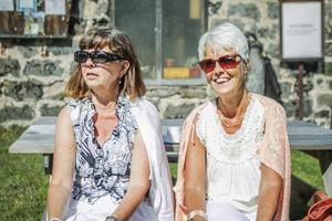 Gunilla Persson och Carina Wiberg är rädda att alla kunskapen ska försvinna med generationen.