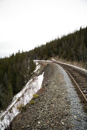 Inga tåg kommer att rulla i sommar på sträckan Stora Helvetet eftersom kompletterande undersökningar av banvallen behövs. Det bestämde Trafikverket under tisdagseftermiddagen.
