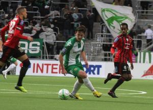 Ammar Ahmed och resten av ÖFK-mittfältet vann den första halvleken på poäng. Hammarby gjorde samma sak med andra halvlek.