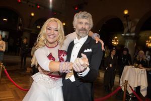Thomas Wassberg och Malin Watson är redo att göra entré på dansgolvet när
