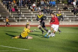Jonathan Lundbäcks 21 mål placerar honom som delad vinnare i skytteligan av division 3 mellersta Norrland.Arkivbild