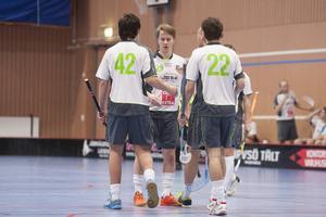 Adam Svender är långtidsskadad – en av alla spelare i raden som inte kunnat spela division 2-innebandy med IK Ljusdal.