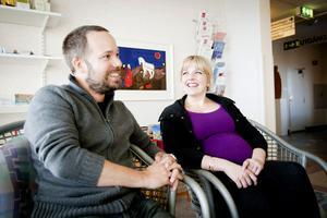 Magnus Hellqvist och Grete Torsethaugen följer en trend som verkar allmän; att många i dag är äldre när man skaffar det första barnet och att man gärna utökar familjen med fler barn.