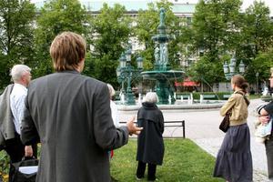 Fontänen vid Vängåvan var Sundsvalls första offentliga konstverk. Konststudenten Sofia Gissberg ritade fontänen som invigdes 1886.