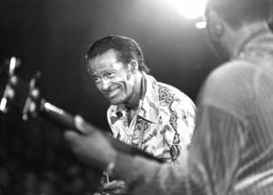 Chuck Berry under en konsert.