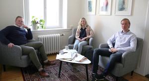 Philip Niva, Erika Duhlbo och  David Gavatin går tredje året på ekonomiprogrammet med juridisk inriktning. Både Philip och David har bestämt sig för att fortsätta satsa på juridiska studier. Erika har inte bestämt sig än.