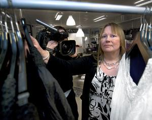 Monica Pehrson har en bra affärsidé, men har ännu inte fått den snurr på verksamheten hon vill ha. Nu får hon hjälp av proffs i SVT:s nya satsning Vinna eller försvinna.