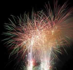 Ett gott, gemensamt avslut på året är viktigt och ett fyrverkeri är ett bra sätt att tacka Rättviksborna och önska alla ett gott nytt år, anser centrumutvecklare Lena Glad.