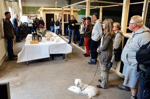 Taklagsfest för hunddagiset i Lekebergs kommun för några år sedan.