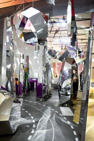 Redan från början lades stor vikt vid det visuella och formmässiga på Tekniska museets stora vetenskapsutställning riktad till barn,
