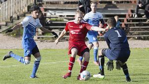 Före detta NAIF-spelaren Fredrik Eriksson i friläge.