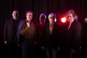 Men On The Border (David Parkin, Göran Nyström, Björn Hammarberg, Phil Etheridge och Odd Westby)  reser i höst till Cambridge tillsammans med 45 musiker från Sandvikens symfoniorkester. Pink Floyd-legenden Syd Barrett ska hyllas.
