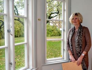 I går besökte Annika Strand rådhuset och sin nya arbetsplats för första gången. Hon gick direkt fram till det stora fönstret.