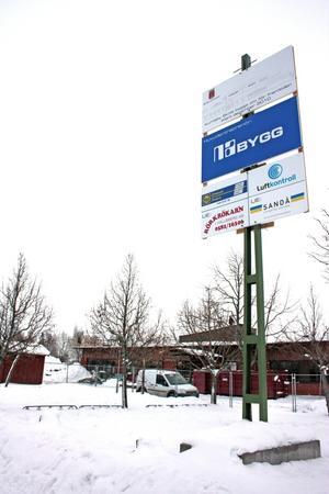 För närvarande renoveras Kumlaby skola för närmare 50 miljoner kronor. Den satsningen behöver enligt Centern kompletteras med nya bostäder i området för att öka elevunderlaget i östra Kumla. Bild: ÅSA ERIKSSON