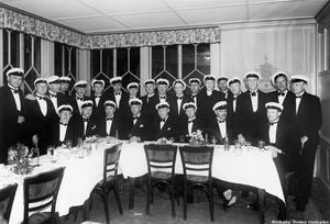 Återträff för en klass på Strömpis 1940-talet.