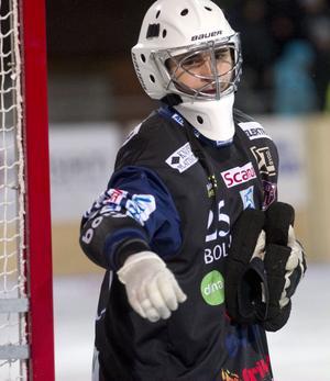 Niklas Prytz gjorde en kanonmatch och var rena väggen när Bollnäs vann borta mot Vänersborg med 4-1.