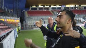 Jiloan Hamad jublar efter 3–0-segern i sin hemstad Örebro.