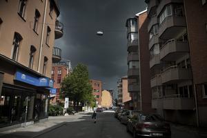 Oväder. I dag väntas det regna rejält i framför allt Örebro och de södra länsdelarna. Mellan 35 och 45 millimeter ska falla över länet. En normal junimånad regnar det i snitt 51 millimeter.