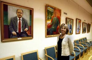 Snart blir även Barbro Holmberg avbildad och hennes porträtt kommer att hängas bredvid företrädarna på landshövdingeposten. Foto: LEIF JÄDERBERG