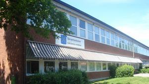 Skrantaskolan utsattes för stenkastning på måndagskvällen.