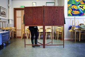 Bara en kommun i länet har större andel kvinnliga än manliga politiker.