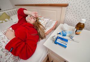 Den som haft hög feber i över fyra dygn och den inte går över bör kontakta vården.Foto Jonas Ekströmer